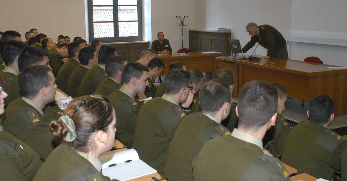 Accademia Militare Esercito: ecco come si svolge la vita in Accademia