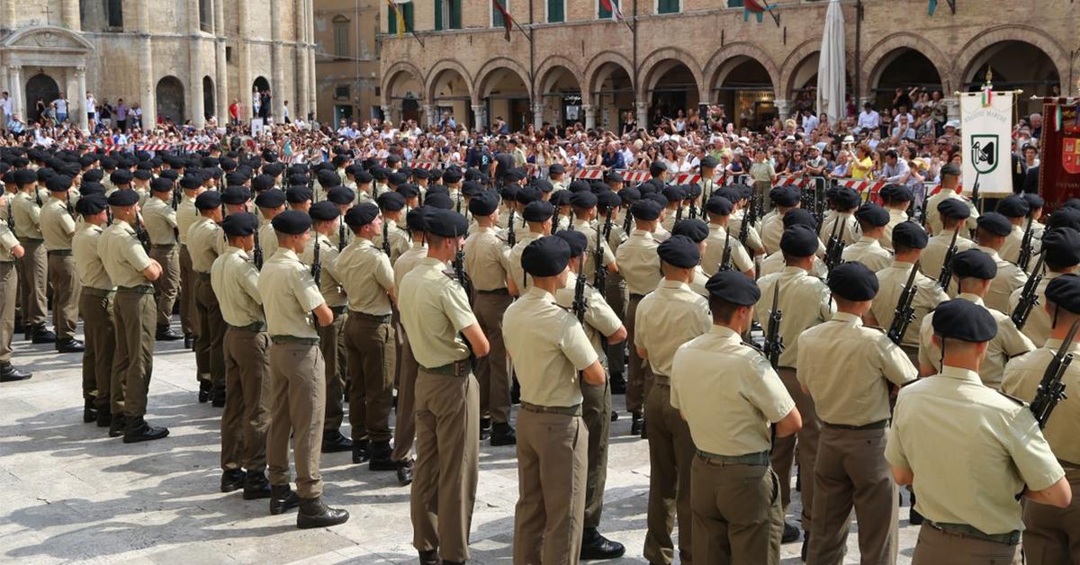 Precedenti Penali Concorso Esercito: quali problematiche?